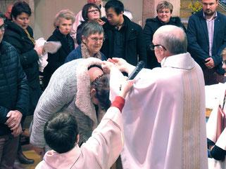 3.2-Baptêmes (ici, à Plougasnou avec 5 adultes baptisés)