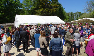 Pentecôte 2018 - 700 paroissiens à la fête de la paroisse, à St Jean du Doigt, sous un magnifique soleil.