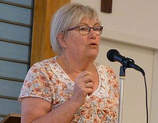 10-Hélène Paugam a évoqué comment, peu à peu, l'Eglise a trouvé sa place au forum des associations de Pleyber-Christ
