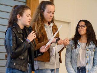 7-Trois jeunes, Jeanne, Blanche et Léa ont parlé de leur action à l'EHPAD de la Boissière, donnant ainsi un beau témoignage de foi