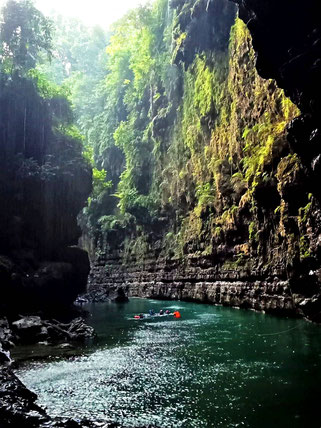 Green Canyon bij Batu Karas beach en Pangandaran
