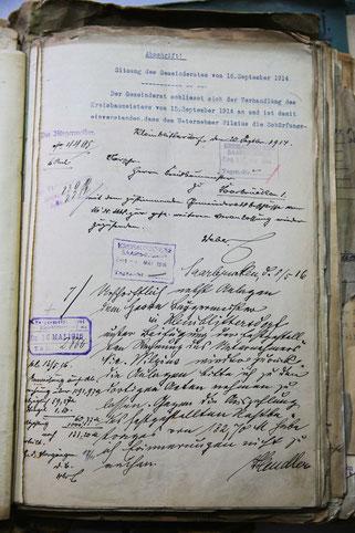 Eine Niederschrift des Gemeinderates aus dem Jahr 1917.