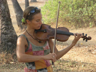 Solveig C. Thorwart mit Geige