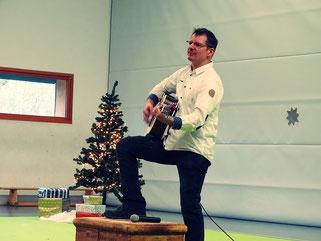 ...wenn Herr Weber-Krüger die Gitarre zückt.