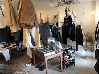 店舗の内観の写真