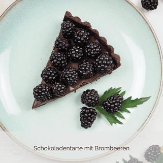 Schokoladentarte mit Brombeeren