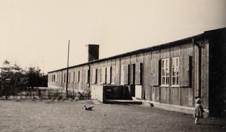 """""""Gamle Læk"""", Læk Danske Skole i en barak på Læk kaserne 1948-1952"""