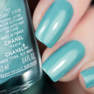 CHANEL • 723 RADIANT VERDE • Ready, Set, Twist Collection (summer 2019)