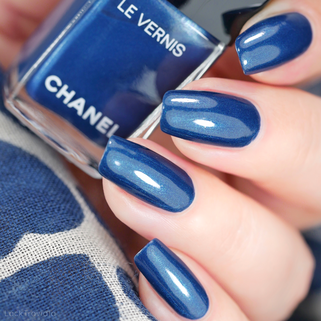 CHANEL • 725 RADIANT BLUE • Ready, Set, Twist Collection
