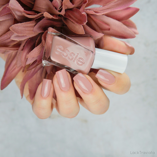 essie • princess charming (EU 485) • Gel Couture Enchanted Collection (spring 2018)