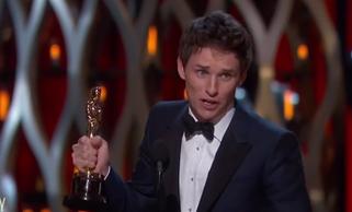 Eddie Redmayne obtuvo el Oscar a mejor actor por 'La teoría del todo'.