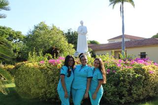 Sharina Sablet, Laura Cardozo y Ana Acosta, Est Prom 2018