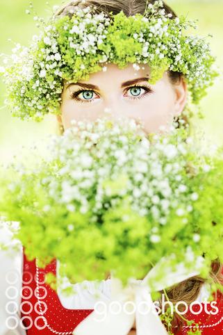 Anna Kagerer / Trachtenworkshop Spck- Alm Blumen -  Blumen Luger/Grein