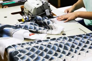 鯉のぼりの製造工程 縫製
