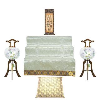 仏前座布団と祭壇