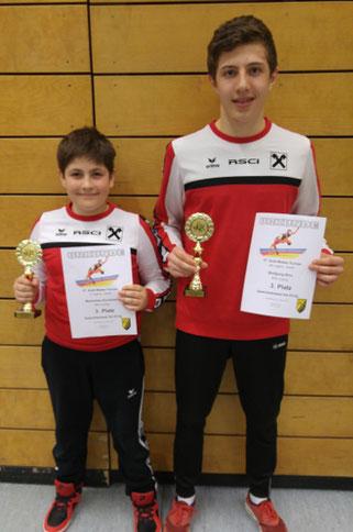 Maximilian und Wolfgang freuen sich über Bronze