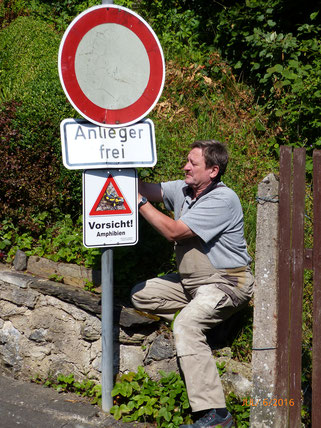 Manfred Klotz Straßenverkehrsbehörde Warnschild Amphibienwanderung