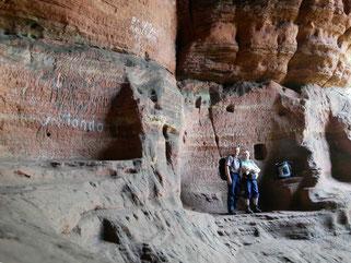 Eine der Buntsandsteinhöhlen