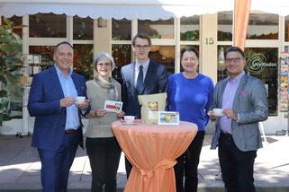 Bürgermeister Klaus Kreß, Agnes Römer, Jesse Jansen (Hotel Dolce), Dr. Christine Kunert und Peter Draussnig bei der Projektvorstellung