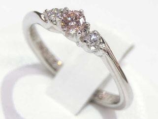 ピンクダイヤモンドリング プラチナ