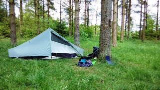 auf einem einfachen Zeltplatz kurz vor dem Mossø