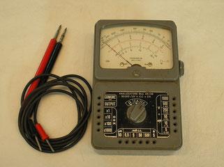 Multimeter für Gleich u. Wechselstrom und Widerstand.