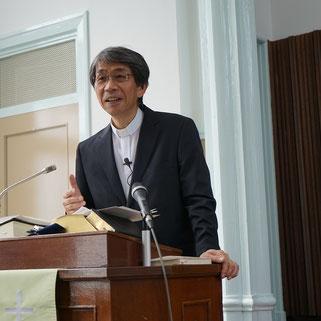 森 言一郎(もり げんいちろう)牧師、とある日曜日の講壇にて