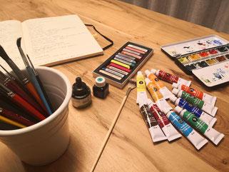 Farben, Text, malen, schreiben, gestalten, Pinsel, Tinte, Stift, Papier,  Workshop, kreatives Gestalten, Aufmerksamkeit