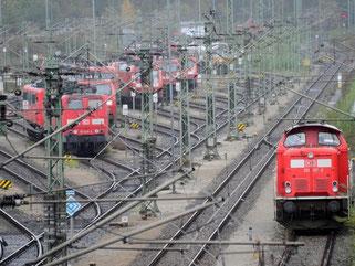 Güterzüge auf dem Abstellgleis. Foto: Tobias Hase