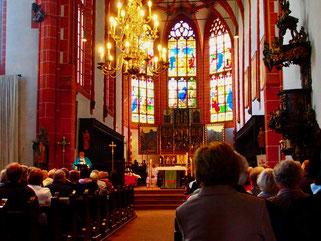 die Kirche war an diesem Sonntag-Nachmittrag voll besetzt
