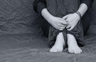 Hat im Gegensatz zu vielen Tatsachenbildchen des Hacktillon Hand und Fuß: Bild eines Menschen mit Händen und Füßen.