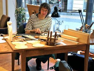 Foto Geigenbaumeister Antonio Menzel bei Westphalen
