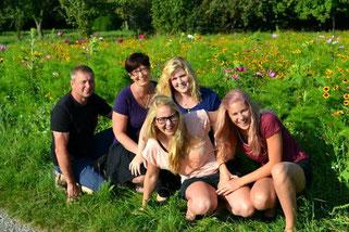 Das sind wir, die Familie Kleinschroth.