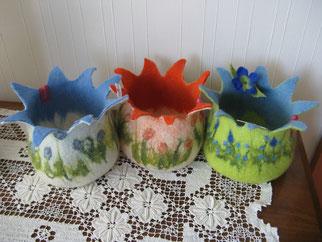 von li.: Blaustern, Orangegarden,  Vergissmeinnicht