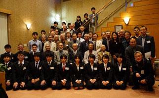 <『剣友祭』に参加のメンバー> 現役学生も含め総員54名