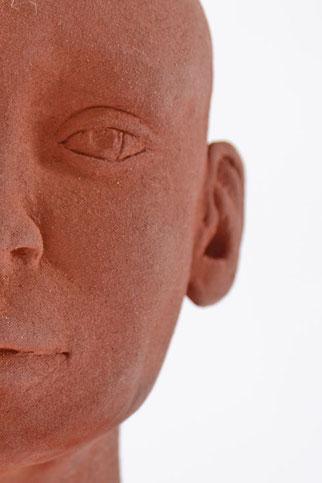 Kopf in Keramik