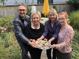 Hariolf Löffelad (1. Vorsitzender/NABU Ellwangen), Edelina Braun (Hauswirtschaftsleiterin Samocca), Eva Stengel (NABU Ellwangen) und Sabine Eberhard (Produktmanagerin Samocca)
