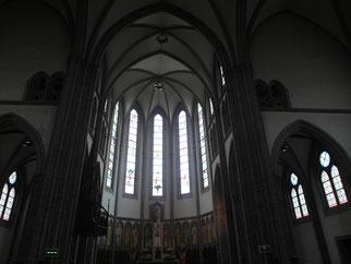明洞聖堂内部