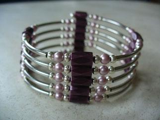 bijou magnétique avec aimants couleur prune