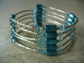 Bijou magnétique avec aimants bleu turquoise