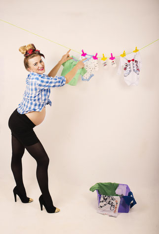 grappige zwangere vrouw