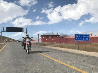 Passhöhe Eğribel Pass auf 2200 Meter