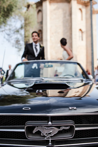 Life-Time.Events happy wedding couple Mustang