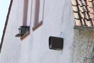 alter und neuer Falkenkasten (Foto: NABU Bellheim)