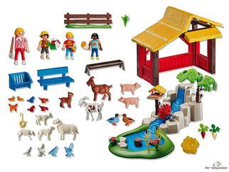 Im Paket Playmobil 4851 ist ein 1 Streichelzoo, eine Frau, zwei Jungen, ein Mädchen, zwei Entenküken, ein Schmetterling, zwei Vögel sitzend, zwei Vögel pickend, zwei Zicklein, zwei Lämmer, zwei Tauben sitzend, zwei Tauben fliegend, eine Ziege enthalten.