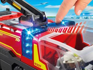 Die Besonderheiten im Playmobil Paket 5337 sind die Licht- und Soundeffekte, die  zwischen zwei verschiedenen Sirene-Sounds wählbar sind.