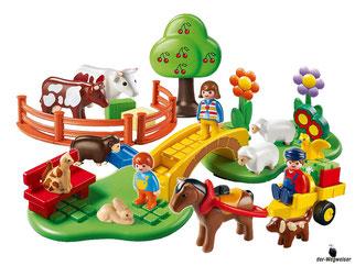 Im Paket Playmobil 6770 sind drei Figuren eine Brücke, einen Handwagen mit Pferd und Wagen enthalten.