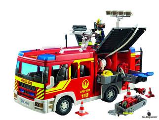 Besonderheiten im Playmobil Paket 5363 sind das Licht und zwei Feuerwehr-Sounds, die Löschkanone kann mit der Pumpe Artikel 5365 betrieben werden. Es hat viele bewegliche Teile für den Einsatz am Einsatzort.