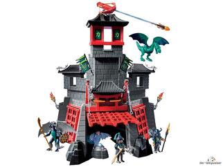 Im Paket Playmobil 5480 ist eine Drachenfestung mit zwei Drachen enthalten.