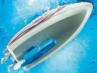 Besonderheiten im Playmobil Paket 9428 ist ein Wasser tauglicher Unterwassermotor enthalten.
